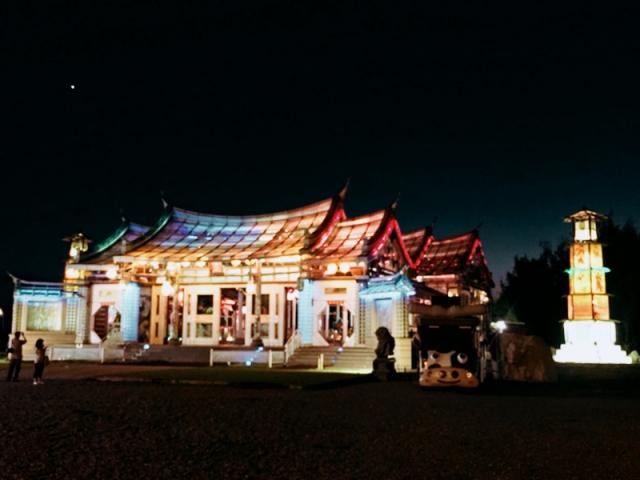 這是一場美麗的進香團之旅,歡迎來到全球第一座玻璃媽祖廟─護聖宮